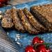 Mehlfreies Nussbrot mit Feigen-Senf-Creme