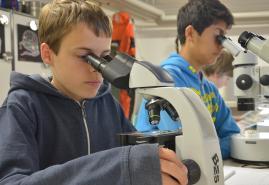 Schülerinnen und Schüler erkunden mit eigenen Forschungsprojekten die Ostsee