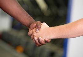 Den ehrenamtlichen Helfern helfen