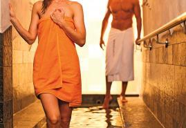 Sauna-Aufgüsse und Specials zum Advent
