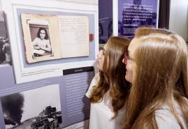 Anne Frank – Ein Mädchen schreibt Geschichte