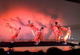 Akrobatikfestival mit Varieté-Show