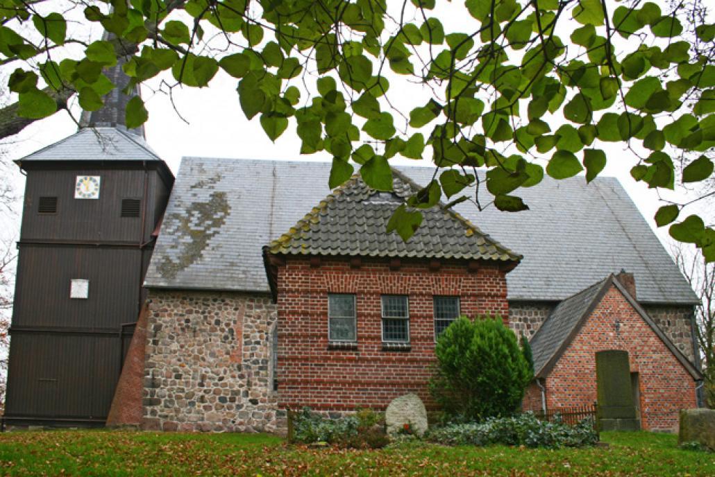 Die Maria-Magdalenen-Kirche im Dorfkern