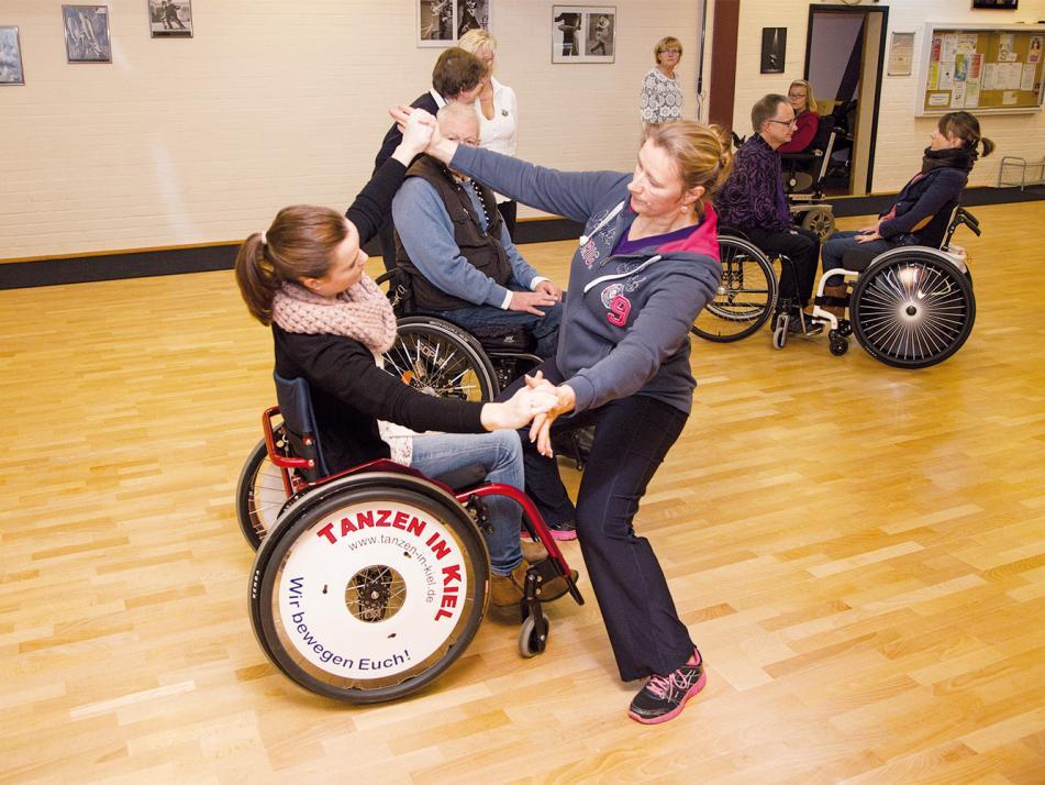 Corinna Balzer bringt mir Neigung im Rollstuhl bei – gar nicht so einfach …