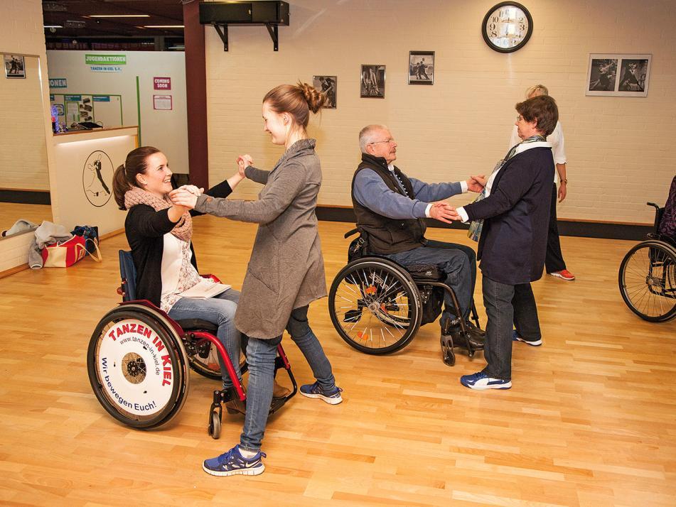 Mit meiner Fußtanz-Partnerin Lea Pape (19) hatte ich viel Spaß beim Rollstuhltanz