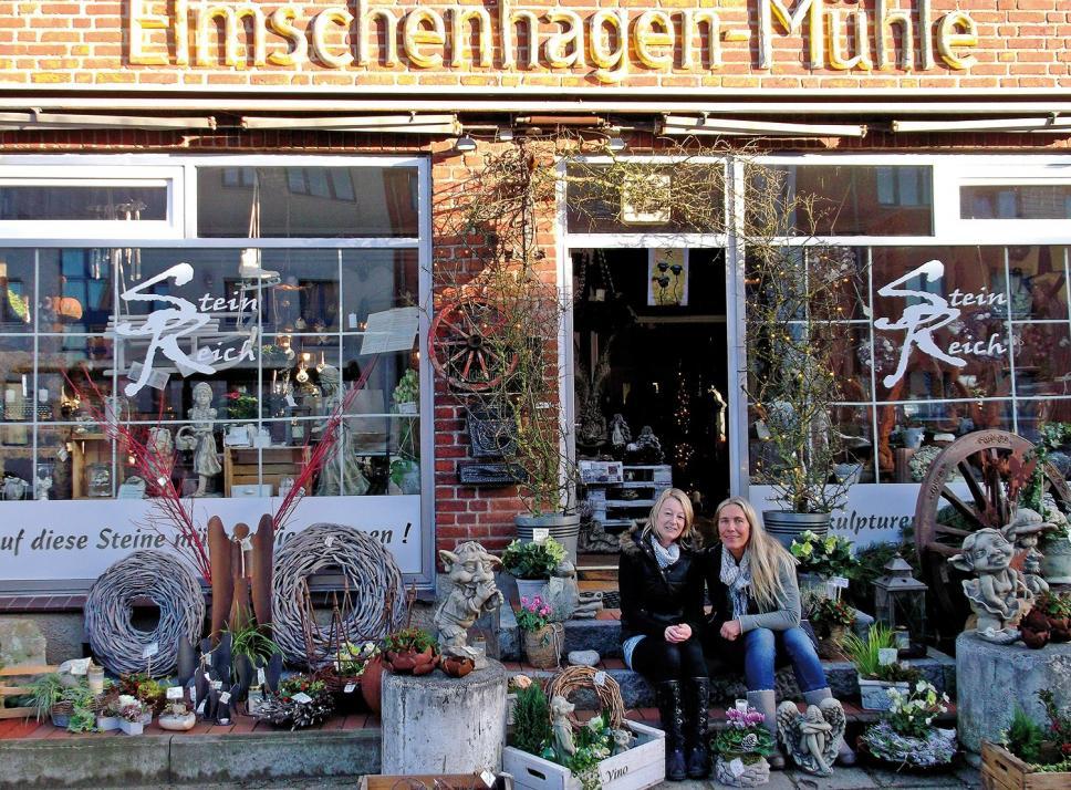 Floristin Conny Muskalla (re.) hat sich einen Ladentraum in der ehemaligen Elmschenhagener Mühle erfüllt