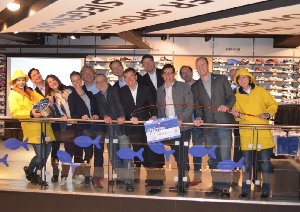 Alle KielerSprottenKarte-Partner gemeinsam an Bord