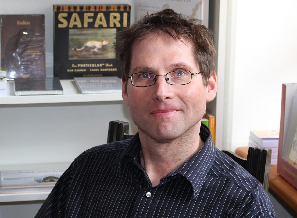Hauke Harder von der Buchhandlung Almut Schmidt präsentiert am 21. April wahre Buch-Schätze