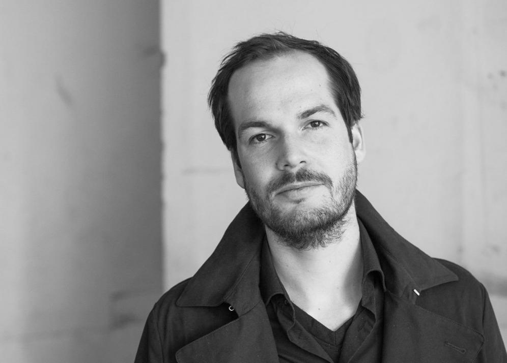 """Lyriker Max Czollek liest aus """"Lyrik von Jetzt 3 – Babelsprech"""""""