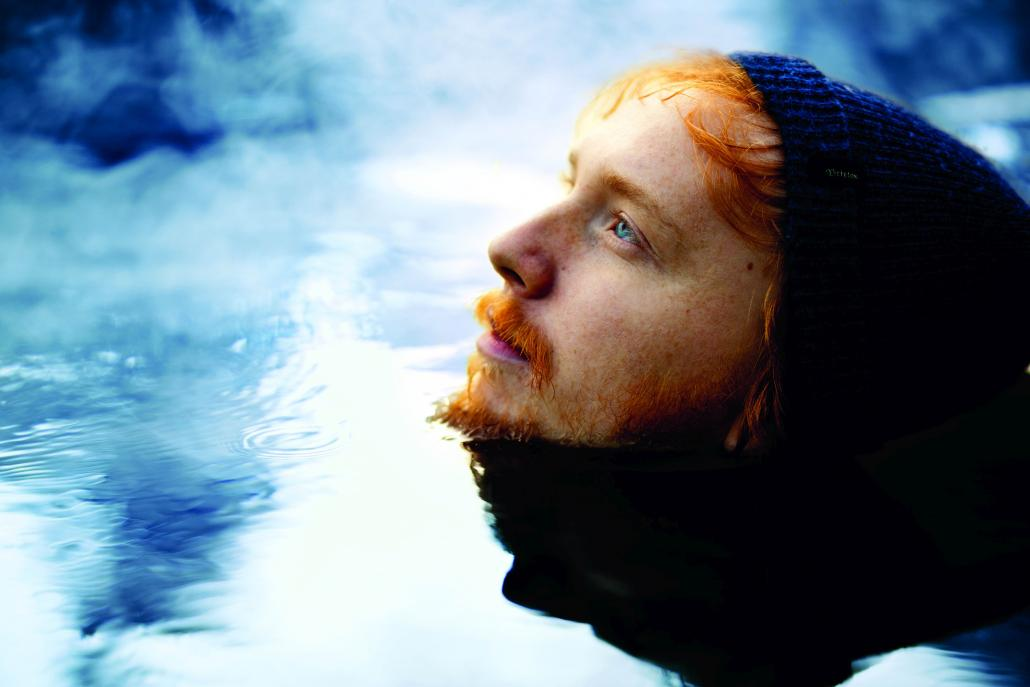 Niklas Paschburg vereint synthetische Klänge mit Pianomusik