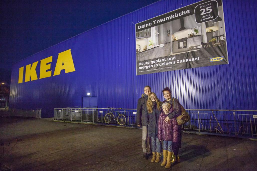 Familie Müller bei IKEA Kiel
