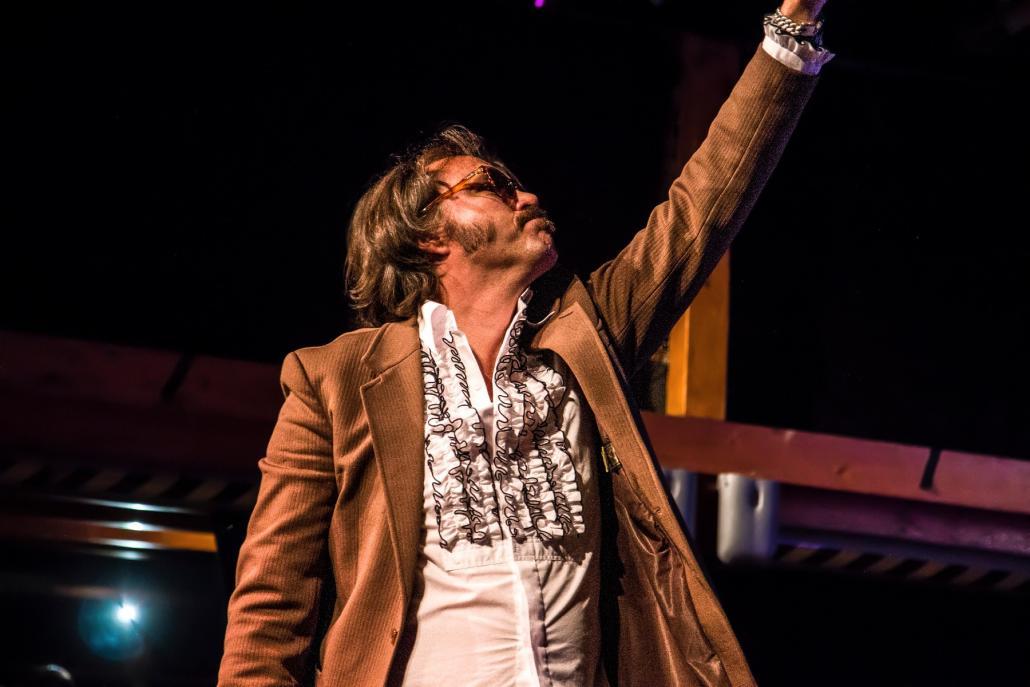 Entertainer Christian Steiffen begeisterte das Publikum in der ausverkauften Räucherei