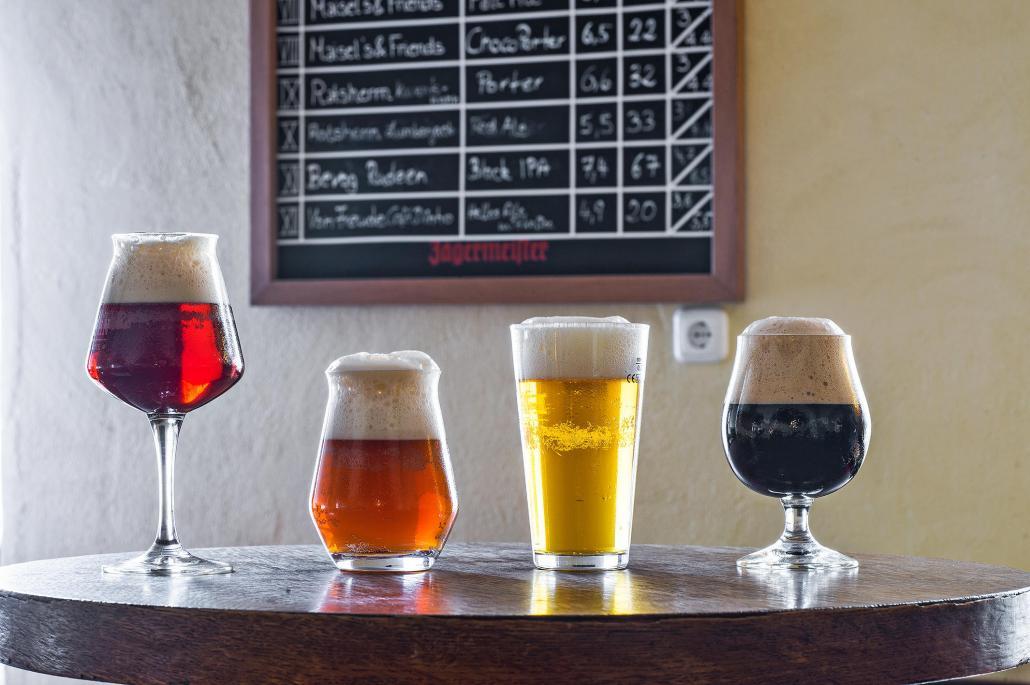 Die Kneipe ist bekannt für ihre vielfältige Bierauswahl