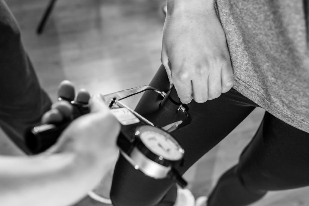 Gesundheitsexperte Lasse Bork verdeutlicht, wie wichtig ausreichend Schlaf für die Fitness ist
