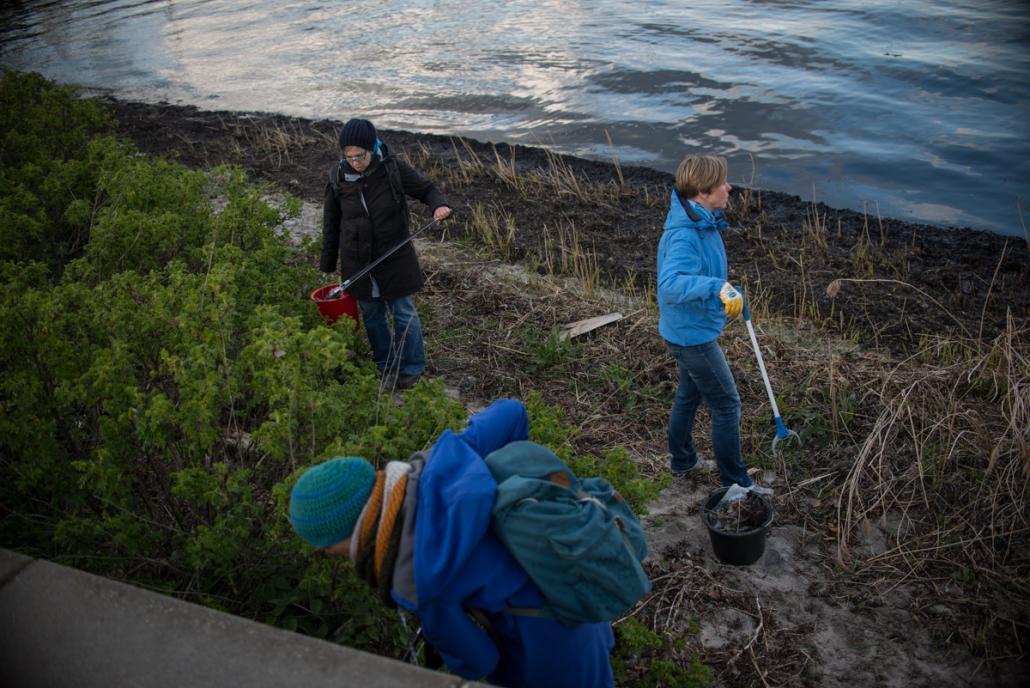 Die Vereinsmitglieder von Zero Waste Kiel e.V. sammelten gemeinsam mit Freunden und Verwandten jede Menge Müll.