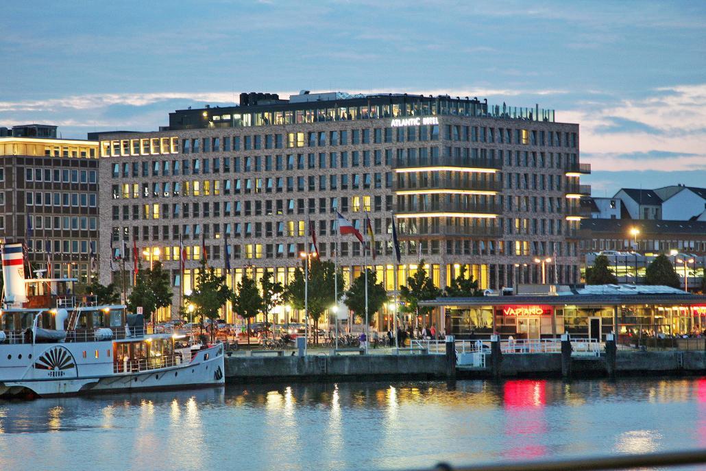 Das Atlantik Hotel befindet sich direkt am Wasser