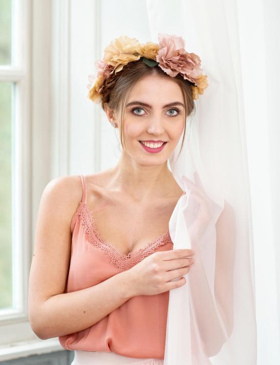 Das Covermodel der Juni-Ausgabe: Bella Otyakovskiy