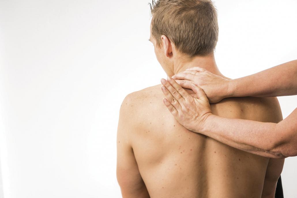 """Osteopathie wird oft als """"Heilen mit Händen"""" bezeichnet"""