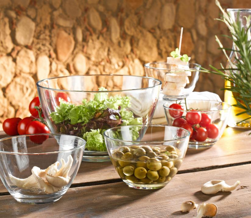 """Das fünfteilige Schalenset """"Active"""" eignet sich perfekt zum Anrichten verschiedener Salate"""