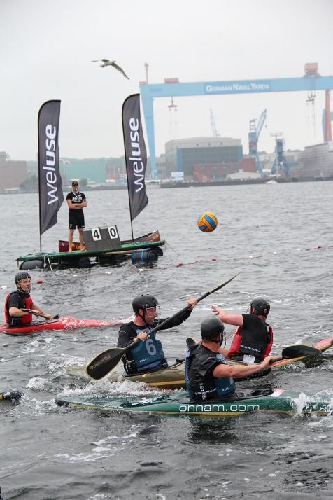 Das traditionelle Kanupolo-Turnier geht bereits am ersten Wochenende der Kieler Woche über die Bühne