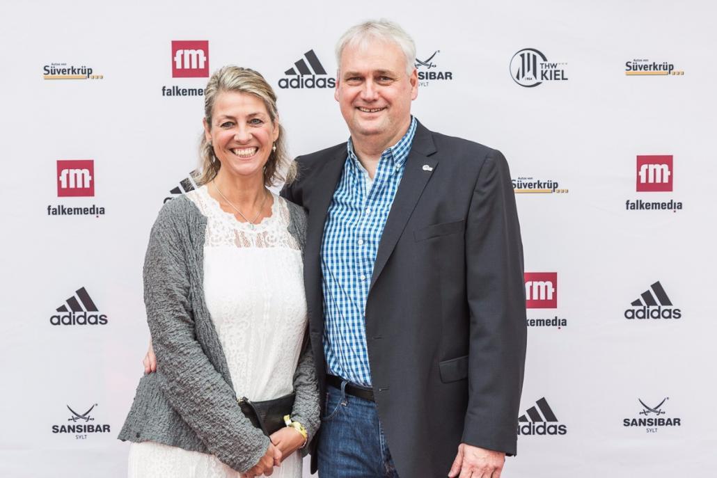 Jasmin und Frank Dahmke von den Kieler Volksbank Immobilien