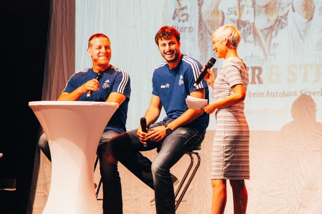 THW-Trainer Alfred Gislason, Kapitän Domagoj Duvnjak und Sport-Moderatorin Anett Sattler (v. li.)