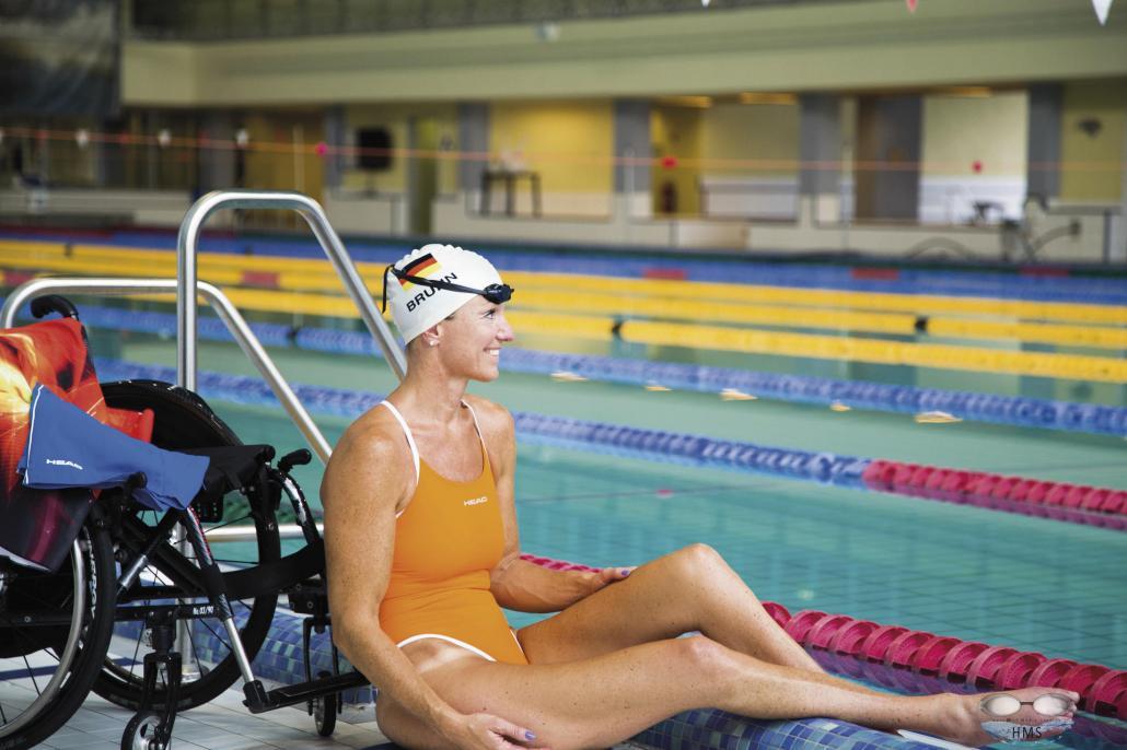 Die inkomplett querschnittsgelähmte Kirsten Bruhn erlangte durch unzählige Goldmedaillen u.a. bei den Paralympics große Bekanntheit