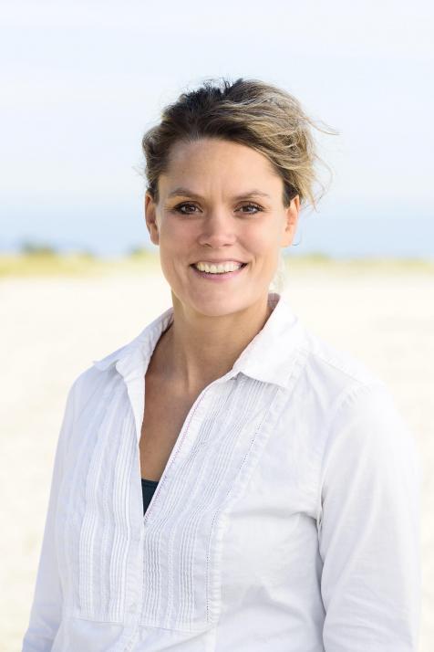 Logopädin Carolin Möller bietet die tiergestützte Therapie in ihrer Praxis an