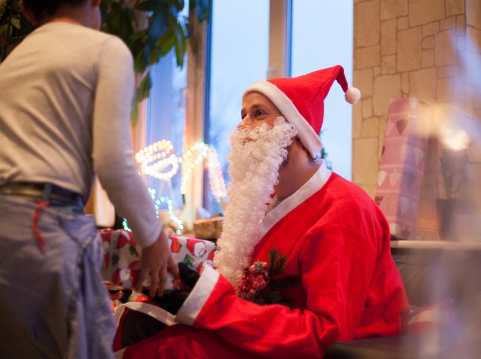 Dank der fleißigen Unterstützung der Kieler konnte KIELerleben auch 2017 zu Weihnachten die Gruppen zweier Kinderheime beschenken