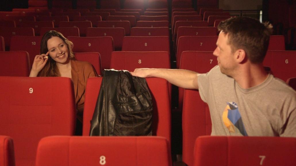 Während der Vorführung können Singles sich schon mal umschauen