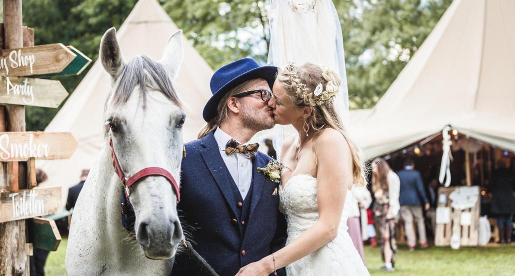 Christoph und Rabea Schwarz an ihrem Hochzeitstag