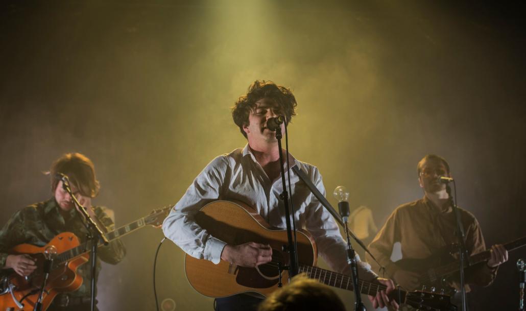 Faber begeisterte gemeinsam mit seiner Band das Publikum im Kieler MAX