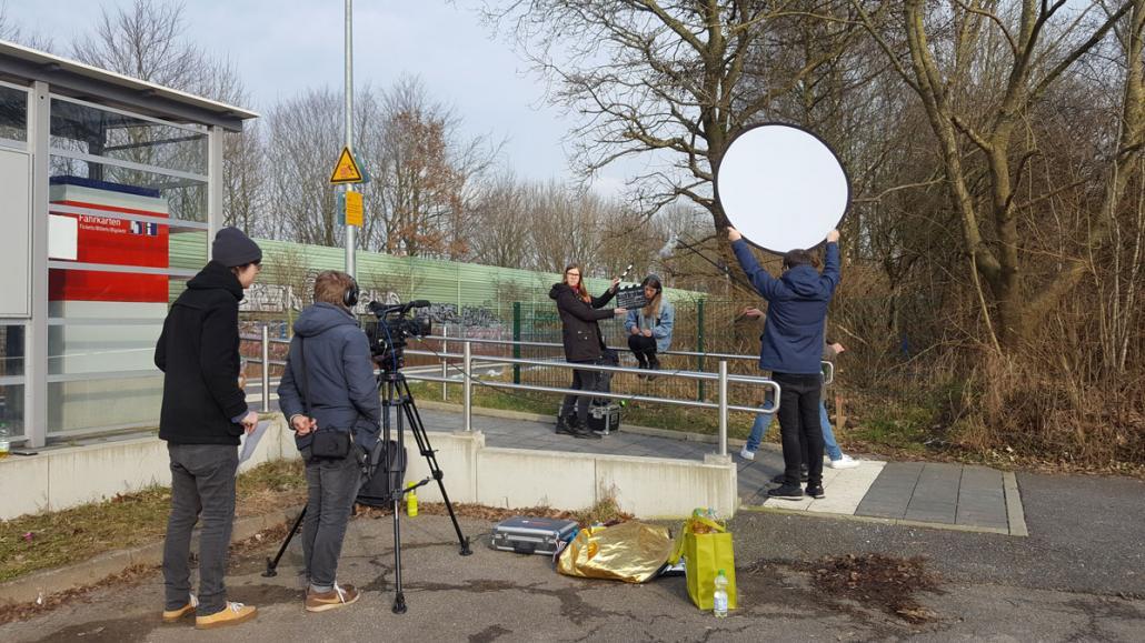 Kieler Studierende während der Dreharbeiten für ihren Horrorfilm