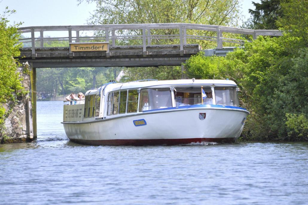 Wunderschöne Orte vom Wasser aus entdecken mit der 5-Seen-Fahrt