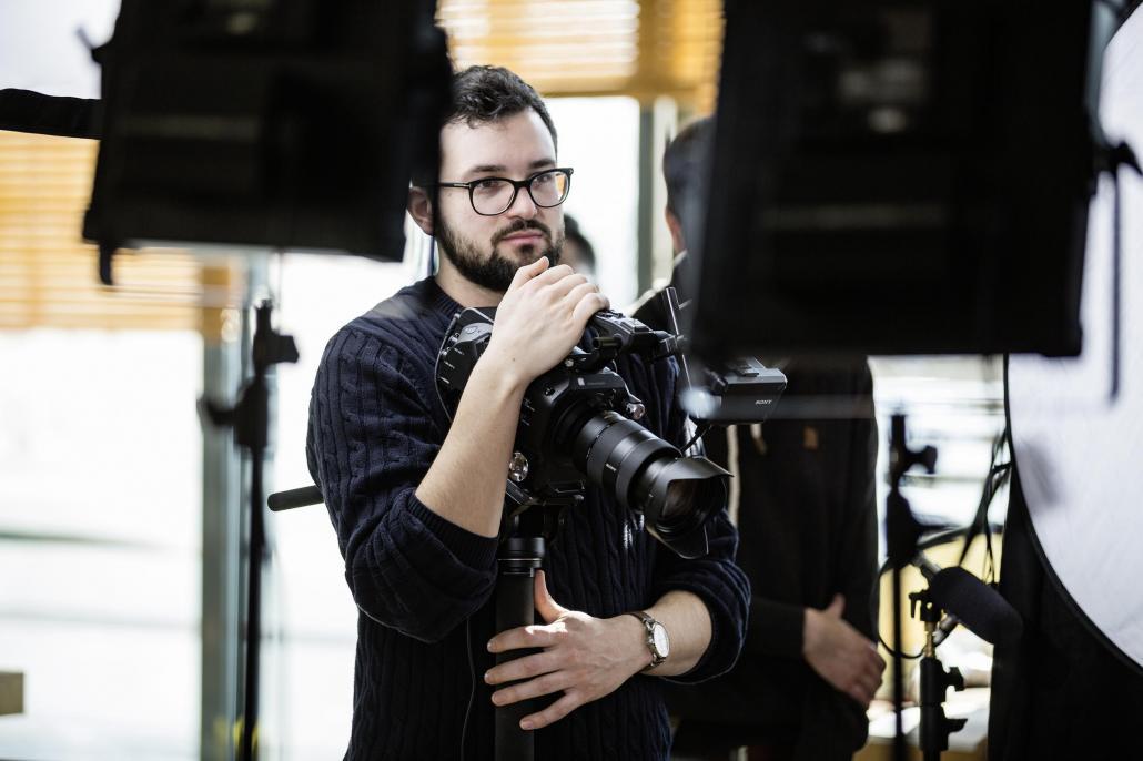 Lukas beim Dreh von Rezeptvideos für XXXLecker in Würzburg