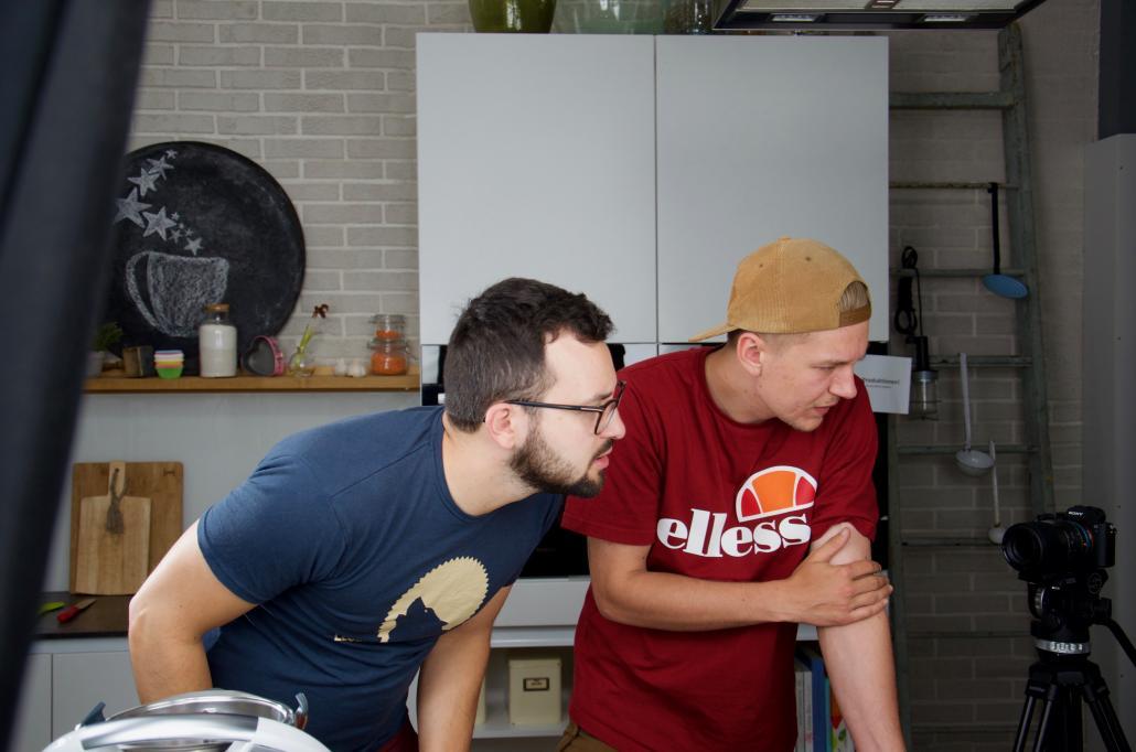 """Lukas und Morten (v. li.) im hauseigenen """"Foodio"""""""