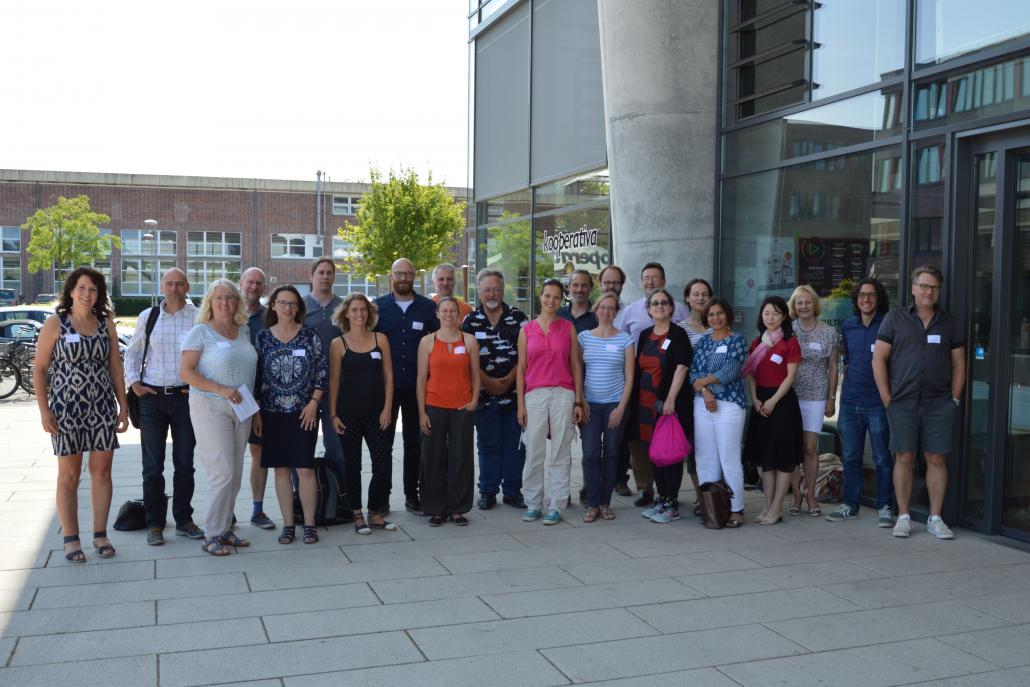 Fakultätsübergreifender Austausch im Anschluss an das Symposium