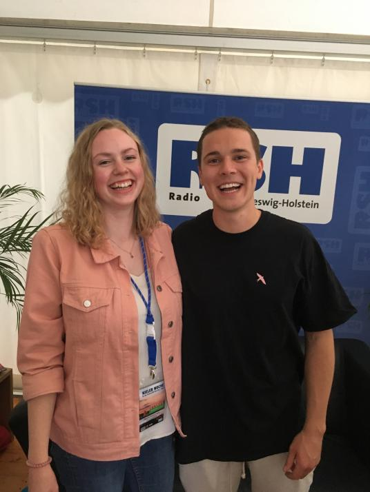 Redakteurin Sophia mit Felix Jaehn