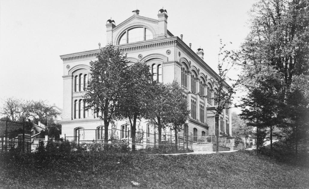 Diese historische Aufnahme zeigt das Museumsgebäude um 1900