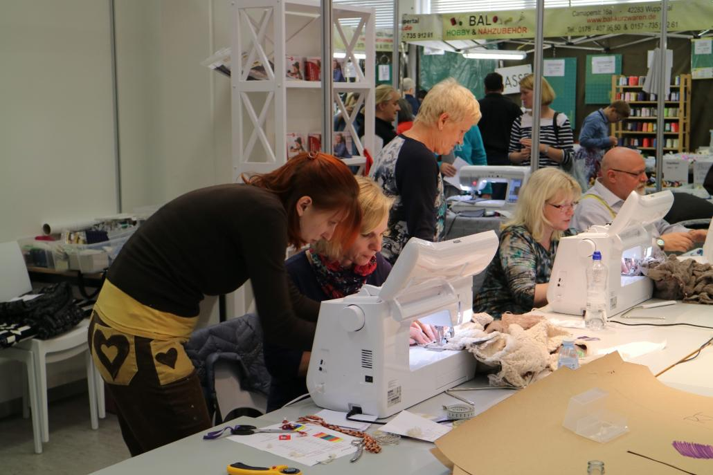 Bei der Nähmesse in Hamburg können Hobbyschneider nicht nur in der riesigen Stoffauswahl stöbern, sondernauch an Workshops teilnehmen