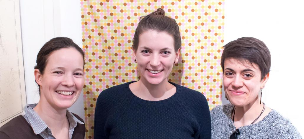 Mareike Rehse, Lisa Jakob und Aylin Yilmaz (v. li.) freuen sich, dass nun mit der Ankerbox ein nachhaltiges System für Take-Away-Essen existiert