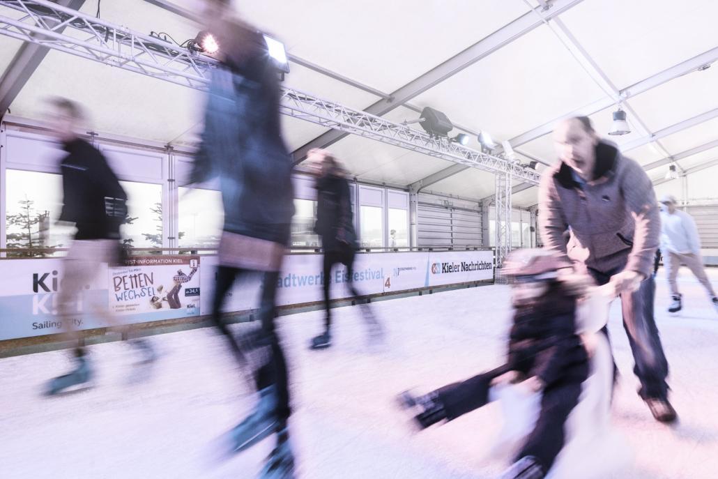 Spaß haben beim Eisfestival Groß und Klein!