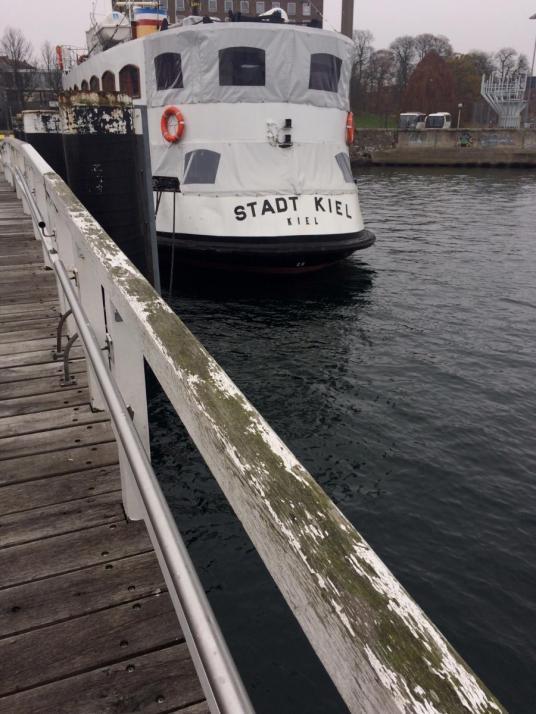 Die MS 'Stadt Kiel' in ihrem Heimathafen