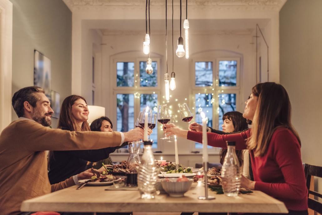 Gemeinsam feiern, gemeinsam anstoßen, gemeinsam voneinander lernen – das ist eine Begegnung der besonderen Art