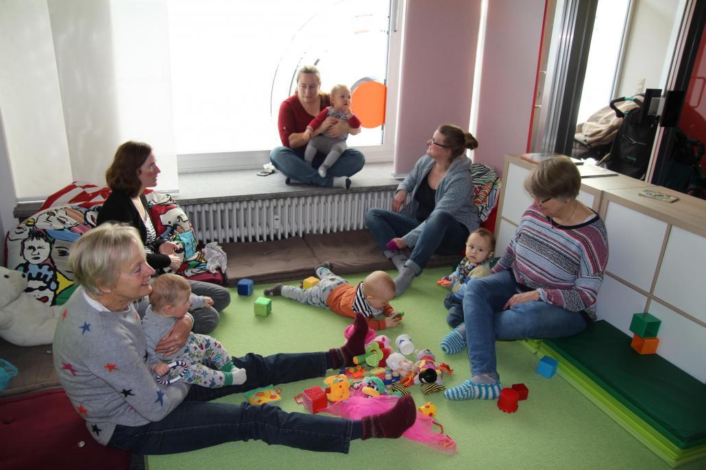 Spielkreis im Café Kinderwagen