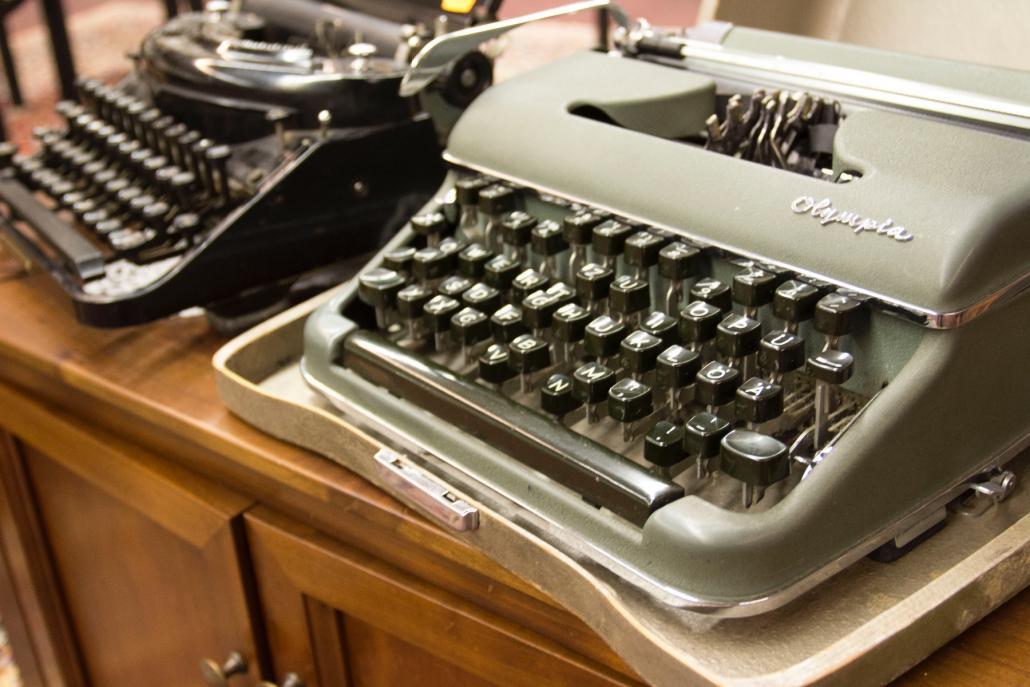 Alte Schreibmaschinen von Olympus, wunderschön und noch intakt!