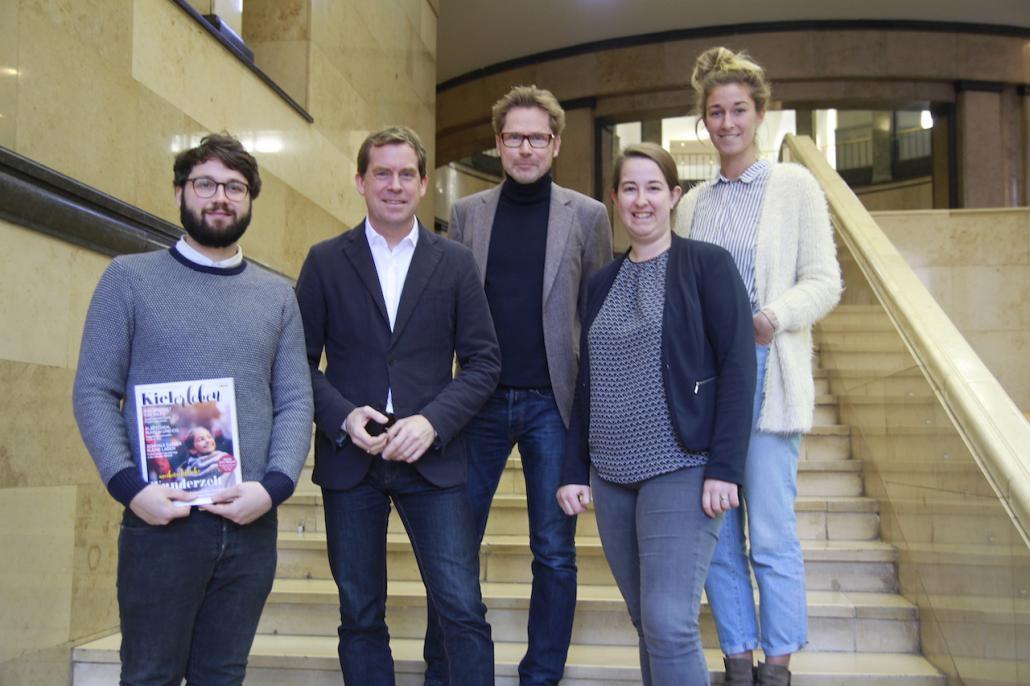Redakteur Sebastian Schulten,Oberbürgermeister Ulf Kämpfer,Redakteur Michael Fischer sowiedie Redakteurinnen Mirjam Steinund Ramona Dabringer (v. li.)sind gespannt auf das Jahr 2019