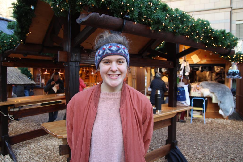 Maja: Ich möchte mir ein kuschliges Zuhause in Kiel einrichten und ab jetzt immer warme Socken tragen! Der Winter ist hier viel kälter als ich dachte.