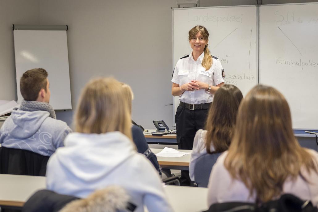 Der Polizeiberuf stößt bei den Schülerinnen und Schülern meist auf besonders großes Interesse