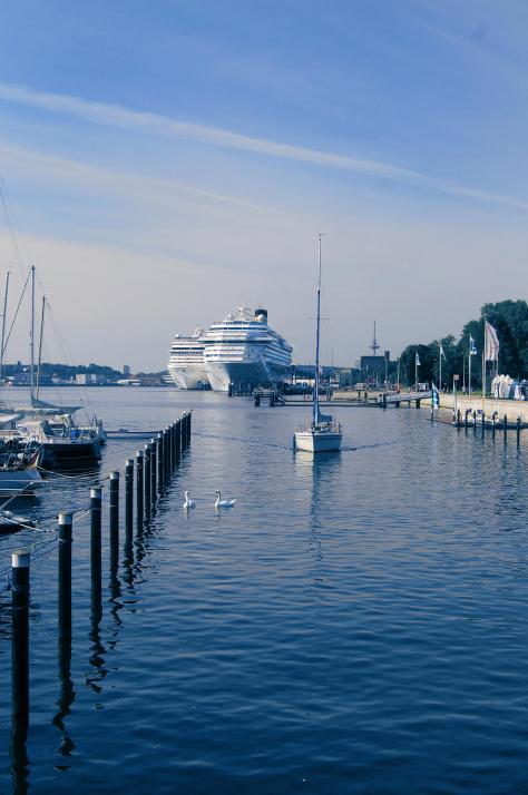 Landstromanschluss, neues Terminal und mehr am Kieler Hafen